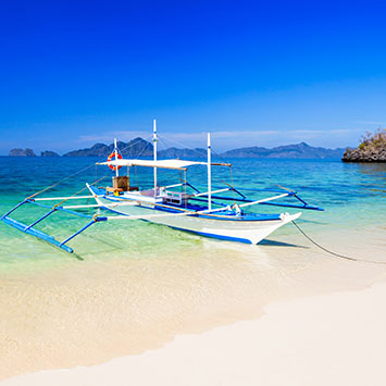 luxury island hopping boat Palawan experiences